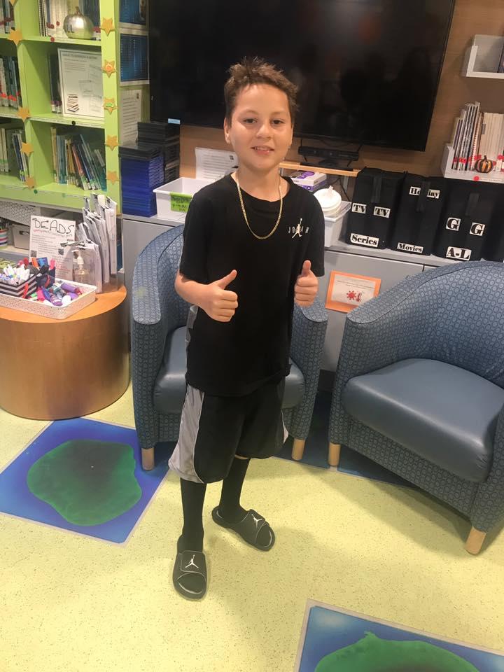 ma-mikalo-thumbs-up-at-hospital-2018
