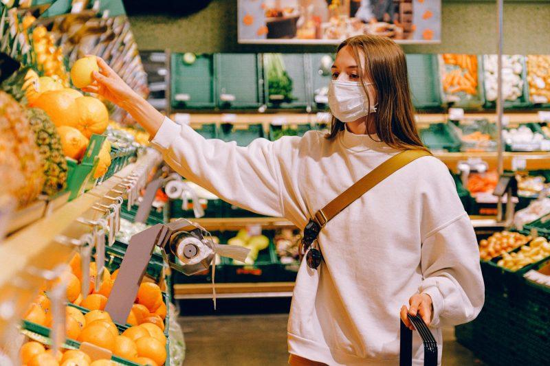 woman-wearing-mask-in-supermarket-3962293